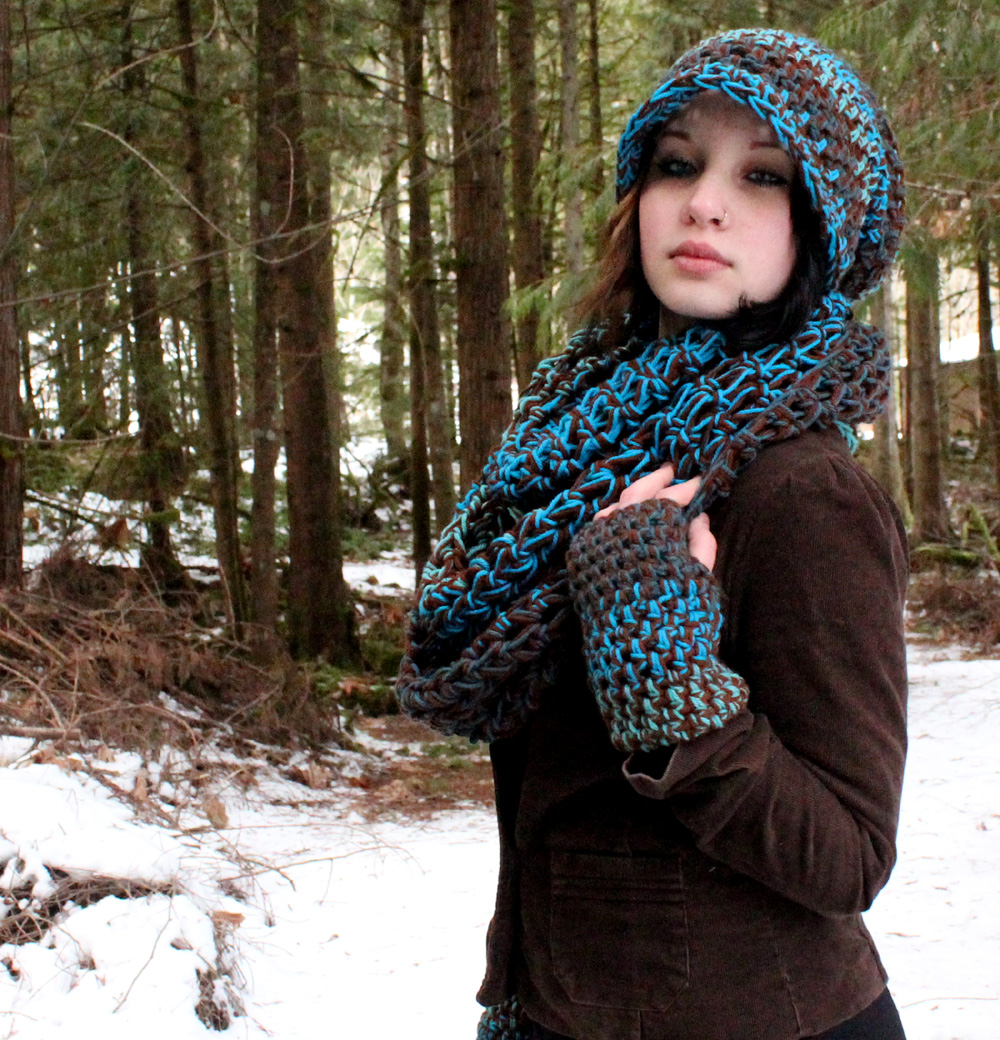 a169cebe132 Set Rasta Slouch Hat, Oversized infinity Scarf, Hand Warmers- Water ...